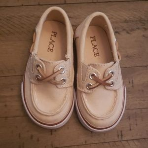 Children's Place toddler boat shoes size 6
